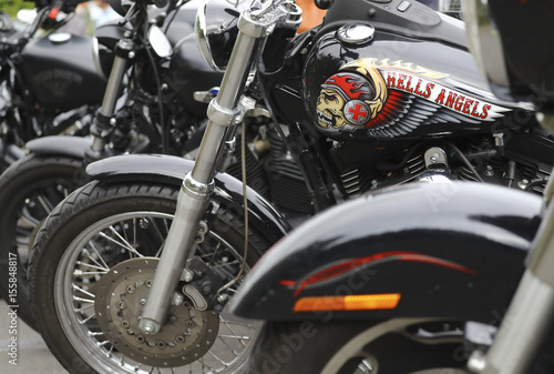 Fotografía A decorated tank of a Harley Davidson motorbike is pictured at the funeral of a