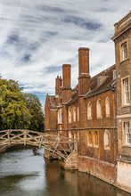 Cambridge - River Avon And Punting