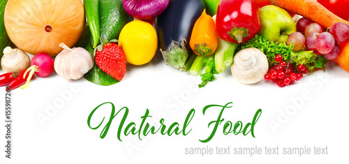 Foto op Plexiglas Groenten Colourful fruits and vegetables on white background