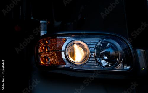 Obraz Semi truck head light in dark - fototapety do salonu