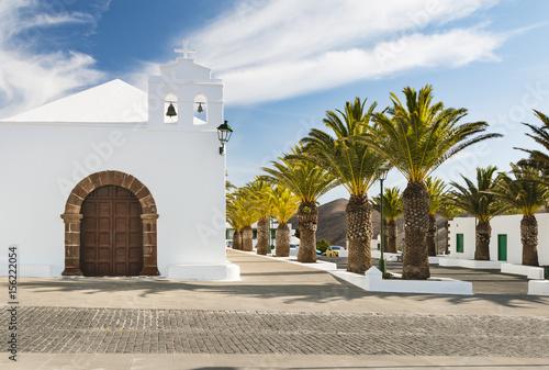Papiers peints Iles Canaries Femes Church in Lanzarote, Spain