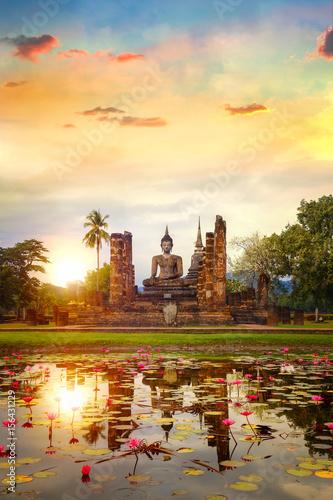 Staande foto Temple Wat Mahathat Temple at Sukhothai Historical Park, a UNESCO world heritage site., Thailand