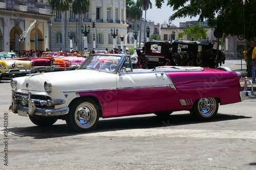 Valokuva Oldtimer auf Kuba