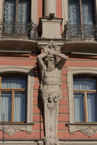 Photo The sculptural decoration of buildings