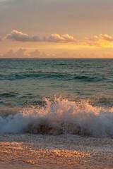 Fototapeta Wschód / zachód słońca Sunset on tropical beach