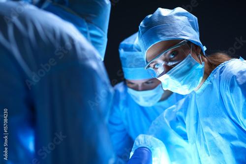 Cuadros en Lienzo Team surgeon at work on operating in hospital