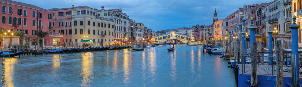Fototapeta Italien Venedig Rialto Panorama beleuchtet