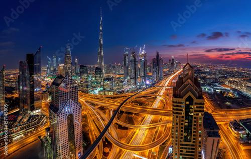 Fototapeta Dubaj o zachodzie słońca