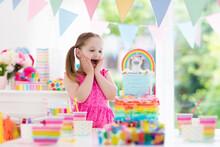 Kids Birthday Party. Little Gi...