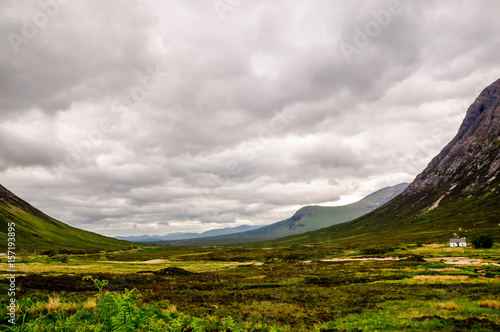 Photo  View on Glencore valley in Scotland - Skyfall valley