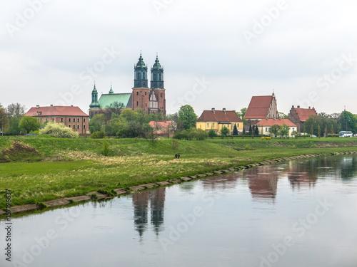 Plakat Miasto Poznań w pochmurne dni.