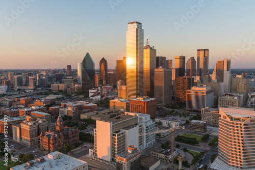 Poster Texas Dallas City Skyline Sunset