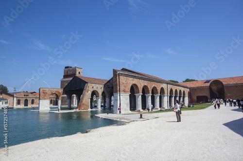 Venezia tra laguna arte gondole e canali Wallpaper Mural