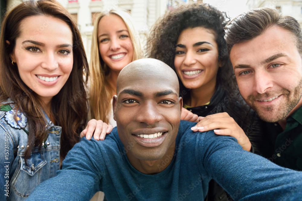 Fototapety, obrazy: Multiracial group of young people taking selfie