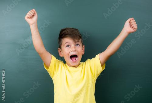 Fotografie, Obraz  kleiner junge freut sich
