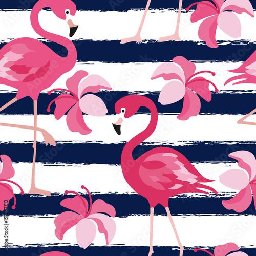 Wzór z ciemno niebieskie paski grunge i różowy flaming. Projekt tło wektor różowy flamingo dla tkaniny i wystrój. Wektorowa modna ilustracja.