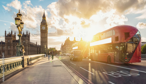 Poster Londres bus rouge London at Sunset