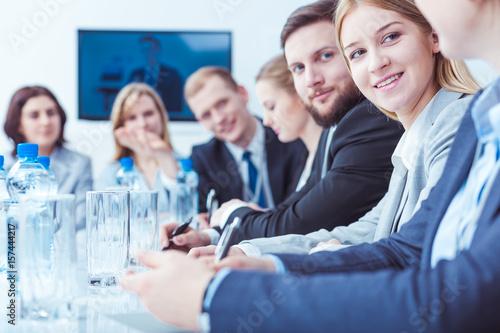 Fotografía  Businesswoman during stockholders meeting