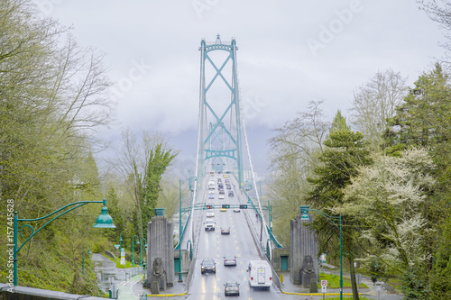фотография Lionsgate Bridge in Vancouver - VANCOUVER - CANADA - APRIL 12, 2017