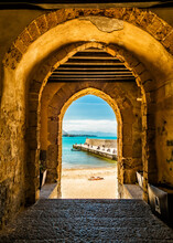 Cafalu Sicily - Archway To Bea...