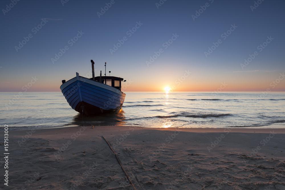 Fototapety, obrazy: Fischkutter am Strand von Bansin auf der Insel Usedom