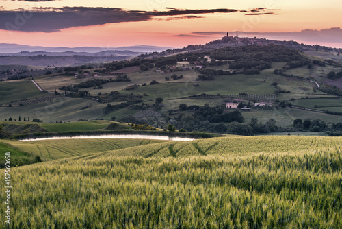Spoed Fotobehang Landschap Scenic view of landscape during sunset