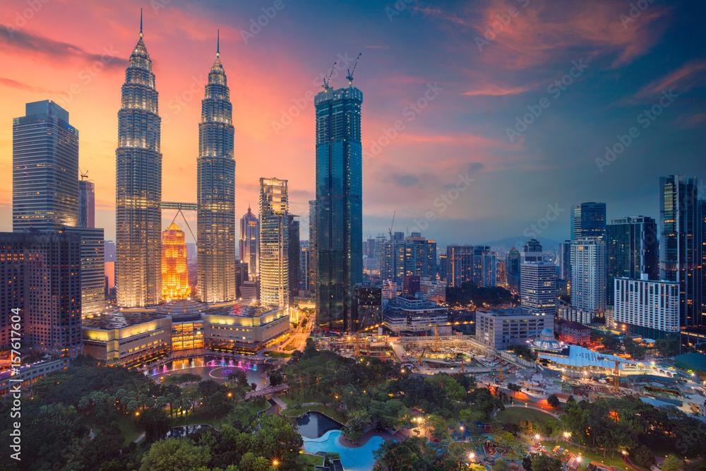 Fototapeta Kuala Lumpur. Cityscape image of Kuala Lumpur, Malaysia during sunset.