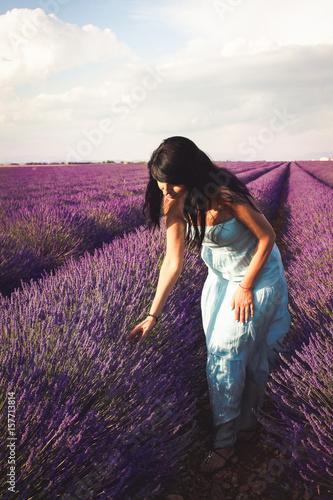 Poster Prune Woman In Lavender Field 45