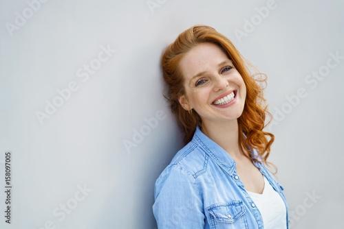 Fotomural glücklich lachende frau