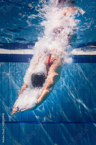 Photo  Diving in to the pool