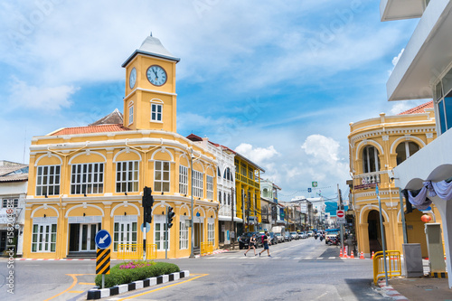 Photo Old town or old buildings with clock tower in Sino Portuguese style is famous of