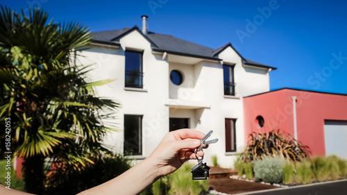 devenez propriétaire , remise des clés , maison moderne 01 ...