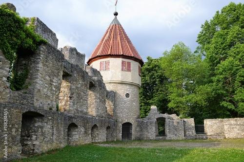 Fotobehang Rudnes Ruine burg Honberg in Tuttlingen