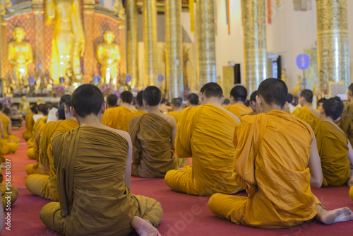 Fotografia  Monks praying