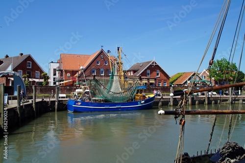 Recess Fitting North Sea Krabbenfischerhafen von Neuharlingersiel in Ostfriesland