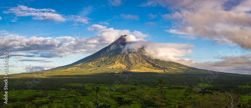 Canvas Print Mayon Volcano