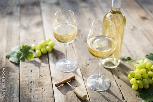 Foto op Canvas Wijn White wine