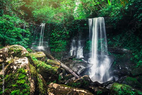 Küchenrückwand aus Glas mit Foto Wasserfalle Nature Waterfalls Tropica zone asia thailand. Waterfalls. Puhinrongkla Romklao-paradorn waterfall