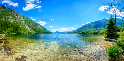 niesamowity-widok-na-jezioro-bohinj