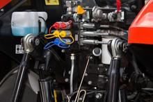 Hydraulic System In Tractor