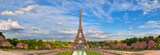 Fototapeta Paryż - Panoramic image of Eiffel tower from Trocadero in Spring.