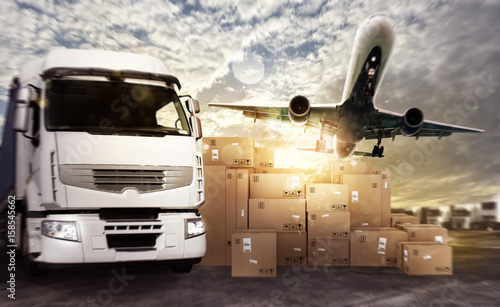 Cuadros en Lienzo  Truck and aircraft ready to start to deliver