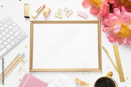 Tablou Canvas Flat lay, top view office table desk . feminine desk workspace