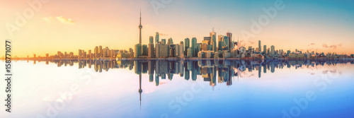 In de dag Canada Toronto Skyline Mirror Panorama