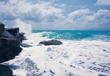 Wawe Splashes Sea Storm Horizon