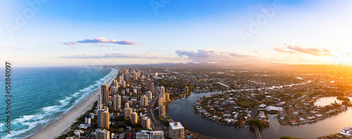 Obraz na plátně Panorama of Southern Gold Coast looking towards Broadbeach
