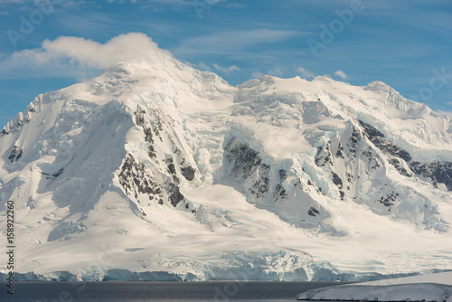 Photo  Mountains in Antarctica