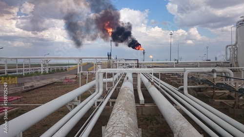 Iraqi kurdistan region oil refinery near the oil fields Fototapet