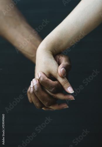 Weiße männliche interrassische Datierung