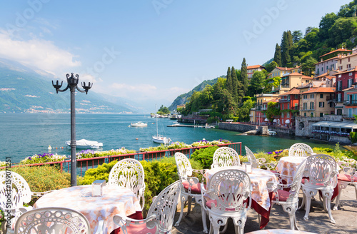 restaurant terrace with view of beautiful Varenna old town, Lake Como, Italy Slika na platnu